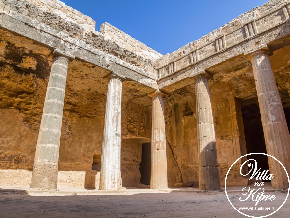 Занесен ЮНЕСКО в список объектов культурного наследия, благодаря памятникам истории
